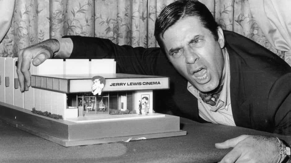 Iconic entertainer Jerry Lewis dies at 91