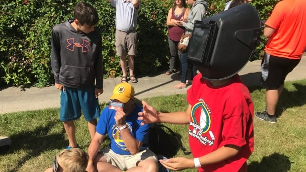 Due to the shortage of eclipse glasses, some people had to get creative.