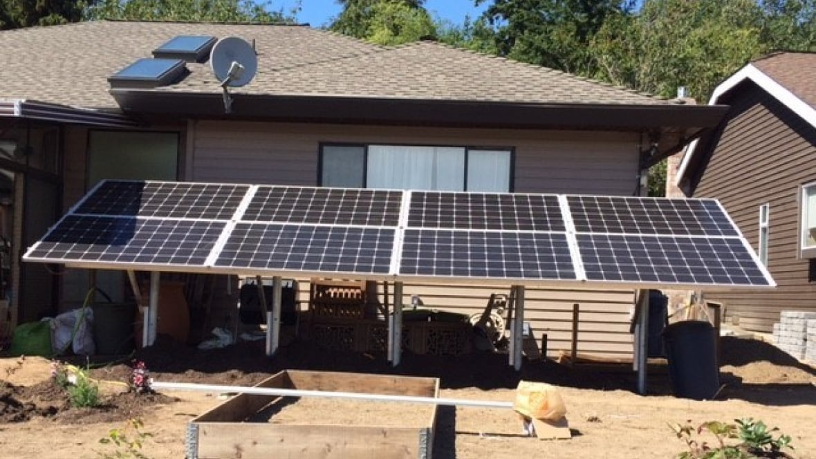 Frustrated Solar Panel Installer Says It S Time To Cut The