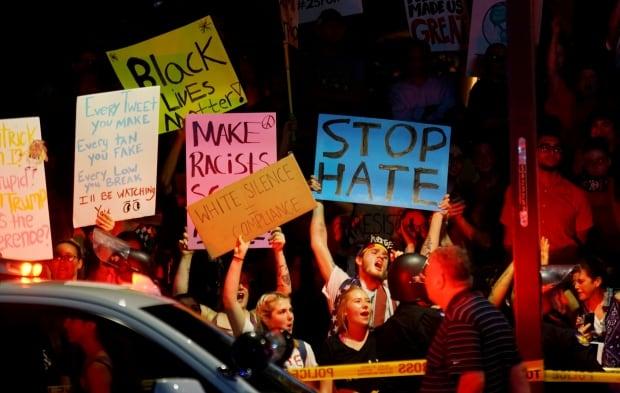 USA-TRUMP/PROTESTS-ARIZONA