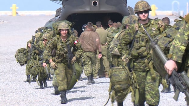 Soldiers arrive in Voisey's Bay on a Chinook helicopter for Operation Nanook.