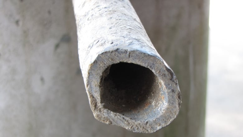 How to tell if there's a lead pipe under your property | CBC News