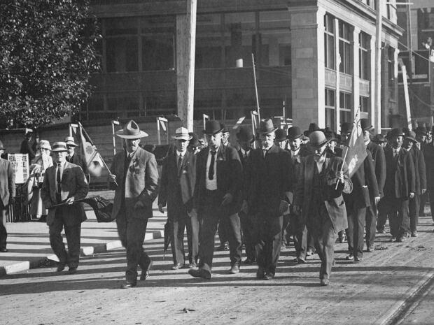 Frank Oliver march
