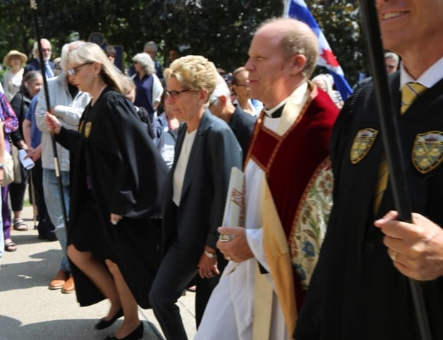 wynne arrives pam mcconnell
