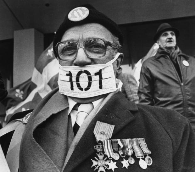 19820121 Bill 101 Demonstration