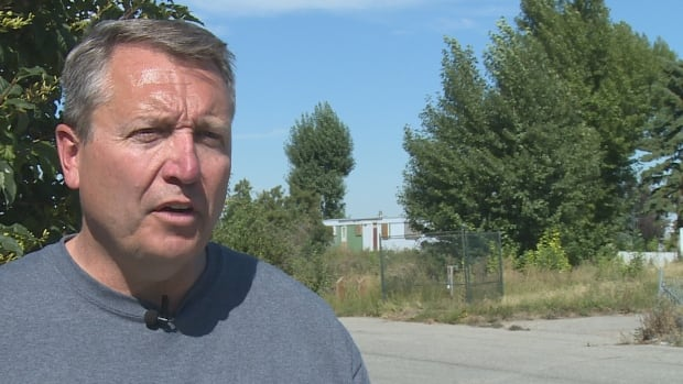 Mayoral candidate Bill Smith says the city needs to revisit its plans for Midfield Park and the residents who still call it home.