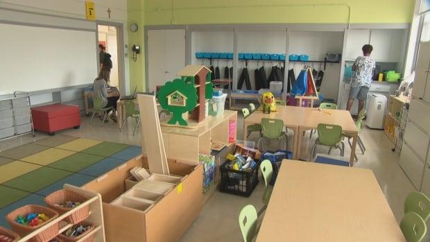 Staff Prepare A Classroom At Nouvelle Ecole Elementaire Catholique Au Coeur DOttawa