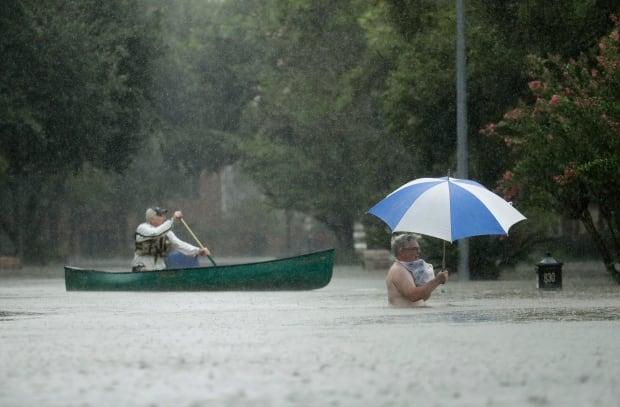 houston flooding umbrella