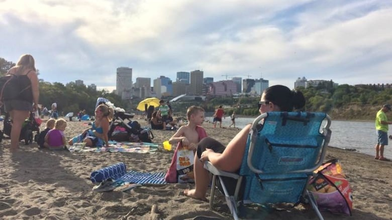 Riverkeeper cautions about E  coli levels at Edmonton's accidental