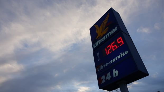 Windsor gas prices soar after Hurricane Harvey shuts down USA  refineries