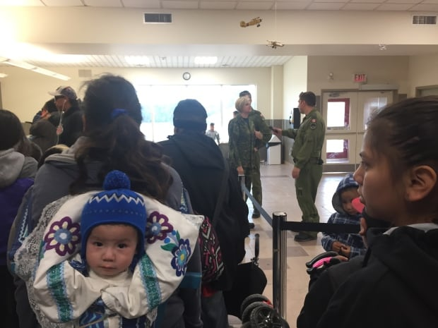 Wasagamack evacuees wait for flights out of St. Theresa Point