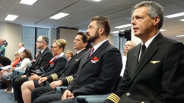 air transat employees inquiry cta delays passengers stranded ottawa aug 31 2017