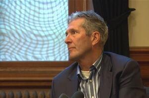Manitoba Premier Brian Pallister talks First Nation fire evacuees