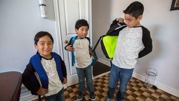 Mexican family, deportation, Canadian-born children, Trueba, Ochoa