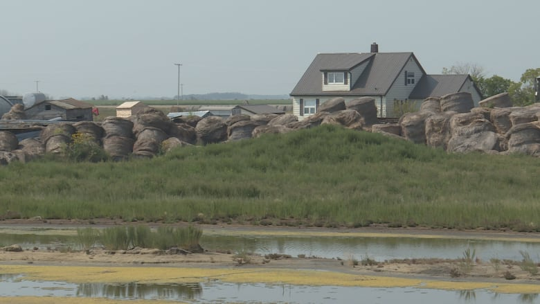 There's nothing left': Sask  flooding forces family from