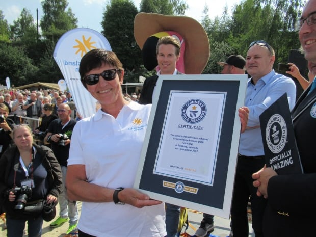 Patricia Leguen with Guinness World Records certificate