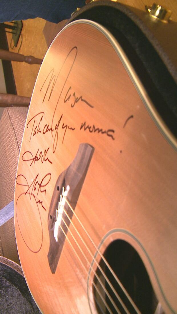 Mason Gariepy's guitar