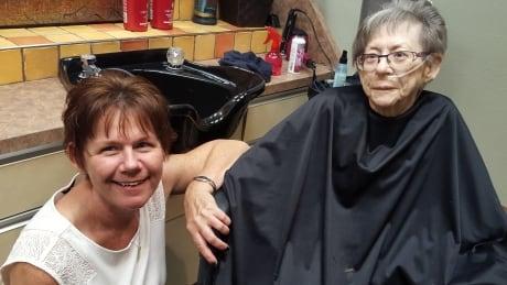 Debbie Dorey and her mom Diane Simons