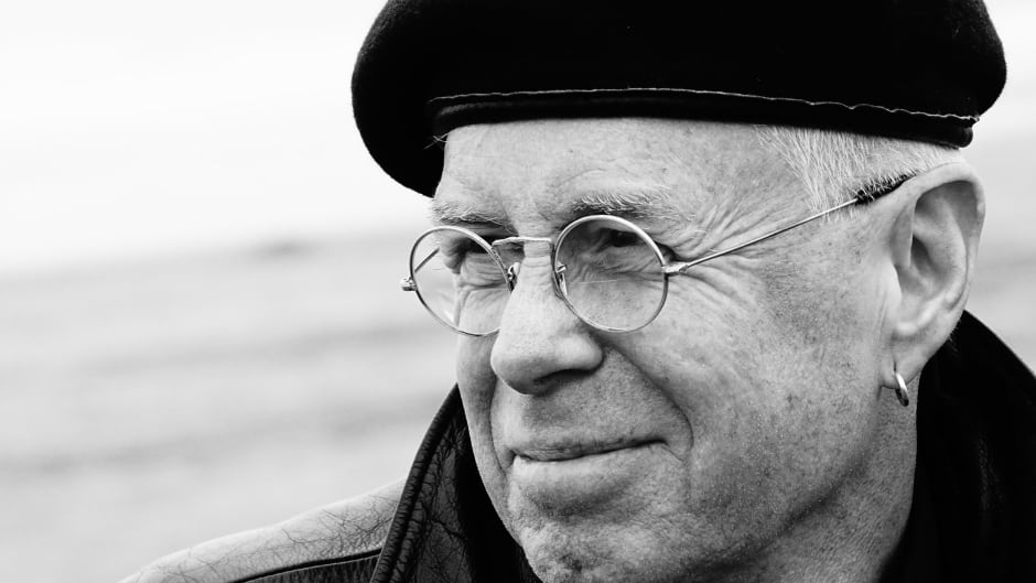 Bruce Cockburn will be inducted into the Canadian Songwriters Hall of Fame on Set. 23.