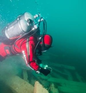 Parks Canada diver