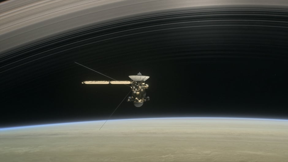 Animation of Cassini flying the gap between Saturn's rings