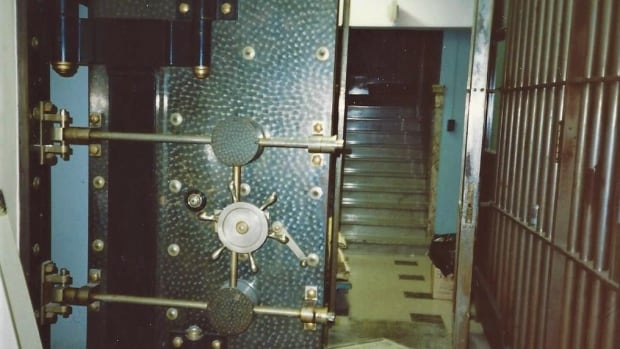 An over-confidence in the vault's security allowed the thieves to enter with relative ease.