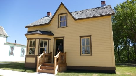 Nellie McClung home