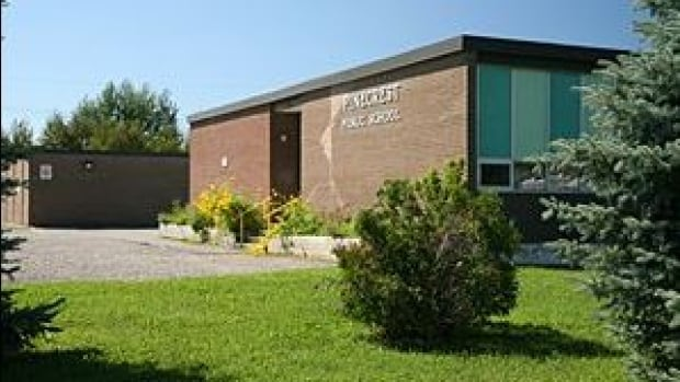 Pinecrest Public School in Val Caron, Ont., sits vacant. City councillor Robert Kirwan wants to see the building used for a hub to house various community agencies and services.
