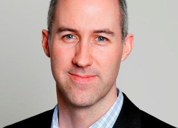 Simon Tunstall