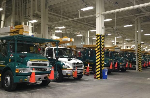Toronto Hydro trucks