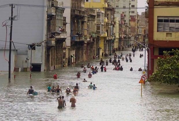 [Image: aptopix-cuba-hurricane-irma.jpg]
