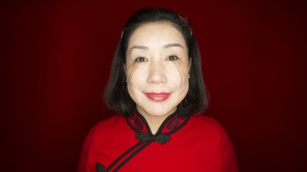 The woman with the longest eyelashes in the world says it ...
