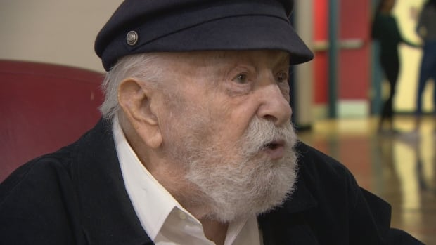 Moshe Kraus, now 95, survived two concentration camps. He shared his story with Winnipeg high school students on Tuesday.