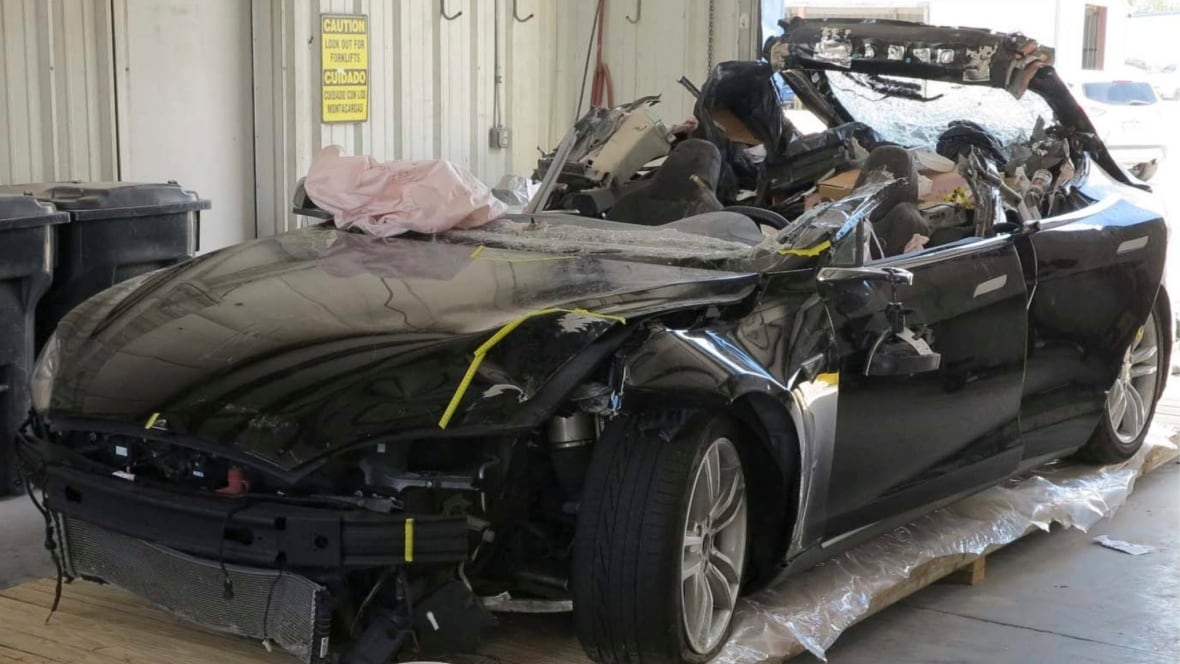 Tesla Autopilot limitations played big role in fatal crash