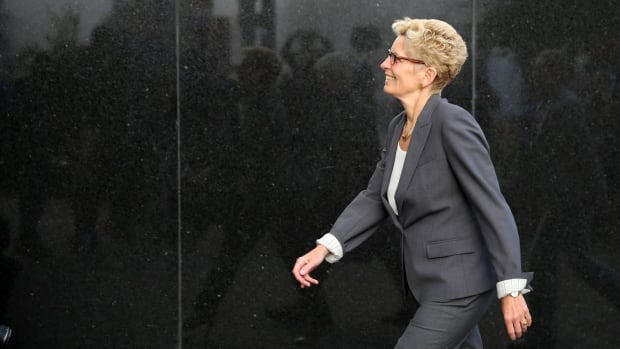 Premier Kathleen Wynne serves PC leader with libel notice