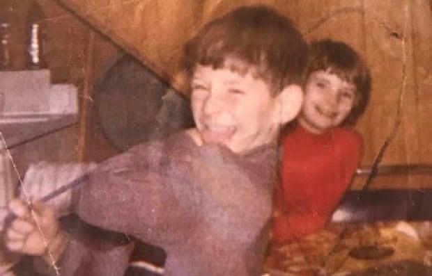 Helen and Him Escott as children