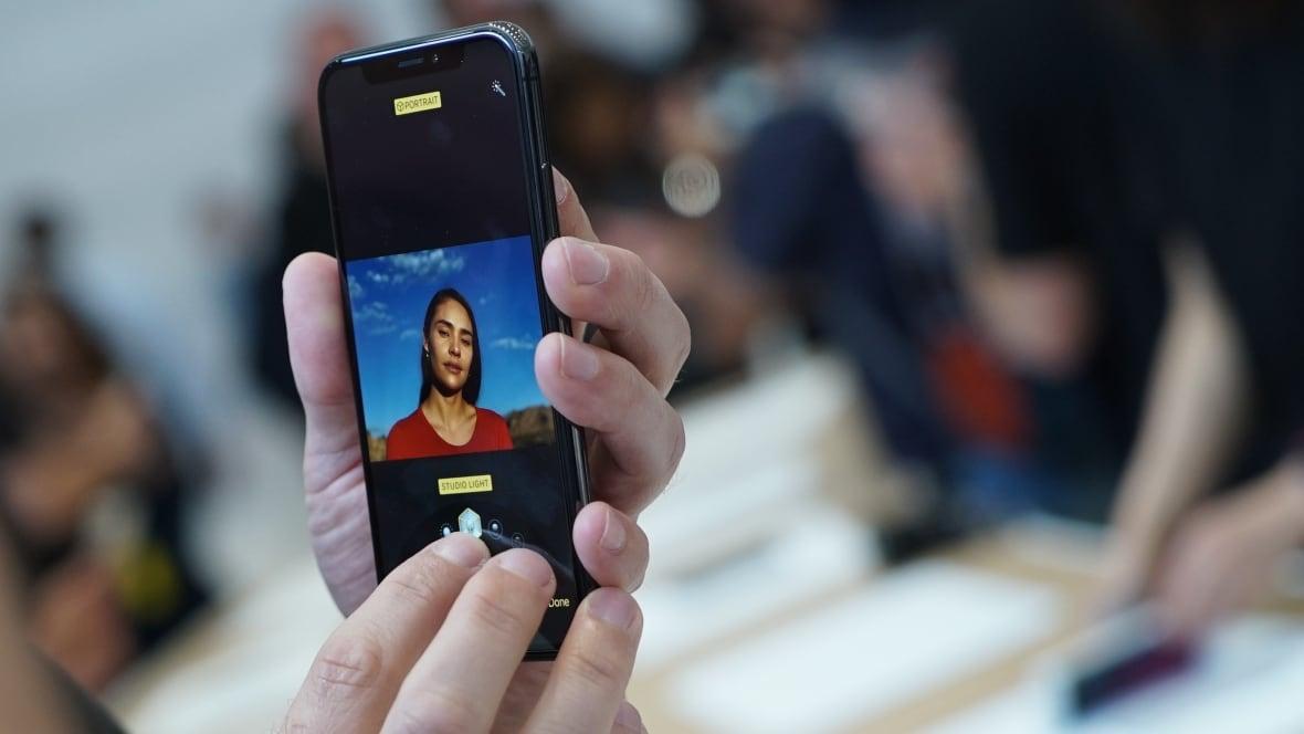 apple-iphone-x-cupertino-event-portrait-mode-lighting.jpg (1180×664)