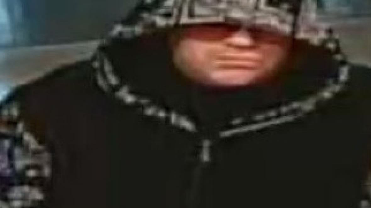 robbery-suspect Police in Moncton look for bank robber