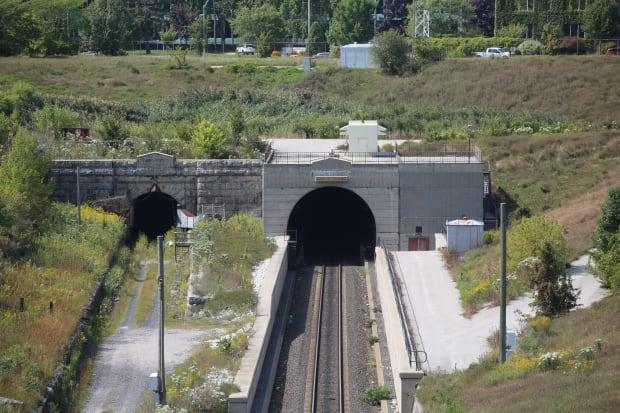 St. Clair Rail Tunnel, Sarnia train tunnel crossing