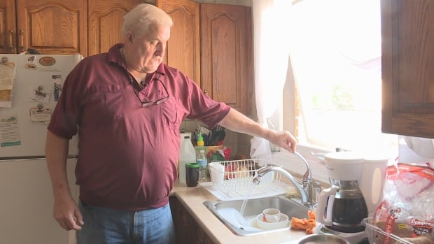 Tom Gowe is warning others after he was scammed by a door-to-door & Ottawa man scammed into $8K water softener at the door - Ottawa ... Pezcame.Com