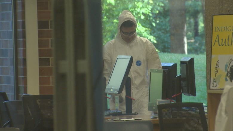 University of Alberta library to reopen Sunday after bedbugs