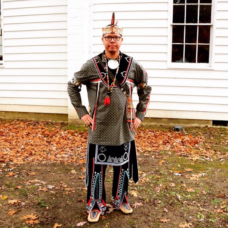 the haudenosaunee people The 6 nations make a video about their culture.