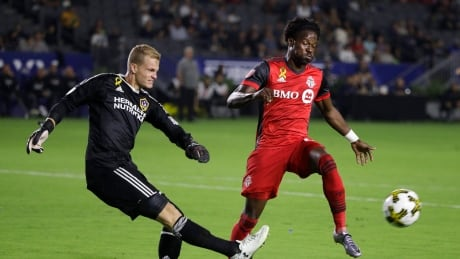 TFC blast past Galaxy to notch 6th-straight win