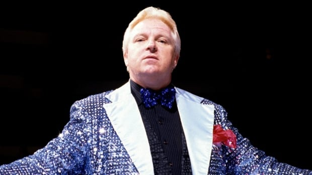 Bobby Heenan, the legendary pro wrestling manager and colour commentator nicknamed The Brain, has died at the age of 73.