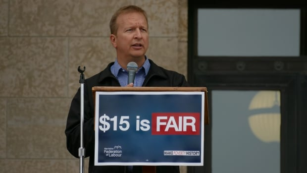MA lawmakers to hear proposal for $15 minimum wage