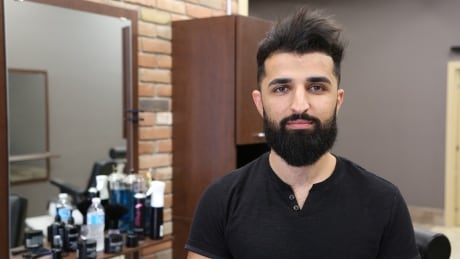 'Mega Viral': Windsor barber turns Instagram following into real world success
