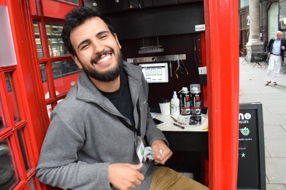 Lovephone — Fouad Choaibi in London phone booth