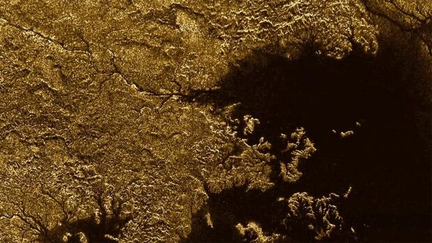 Methane-flooded canyons in Titan