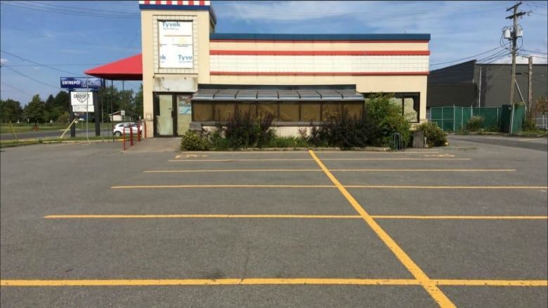Fast Food Restaurants Closing As Quebec Unemployment Rate Nears All