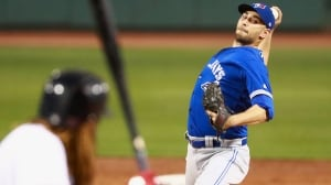 Marco Estrada forgoes free agency to remain a Blue Jay